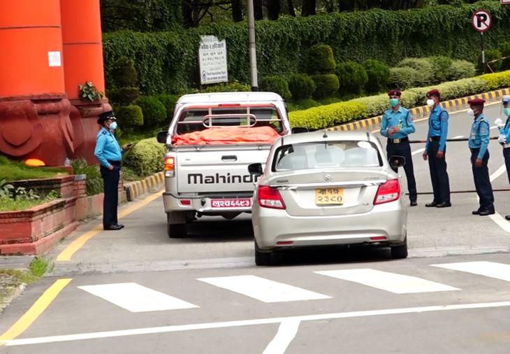 निषेधाज्ञा उलंघन गर्ने करिब १२ हजार सवारी ट्राफिक प्रहरीको कारवाहीमा