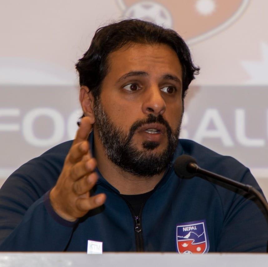 फूटबलका मुख्य प्रशिक्षक अब्दुल्लाह अलमुताइरीद्वारा राजीनामा