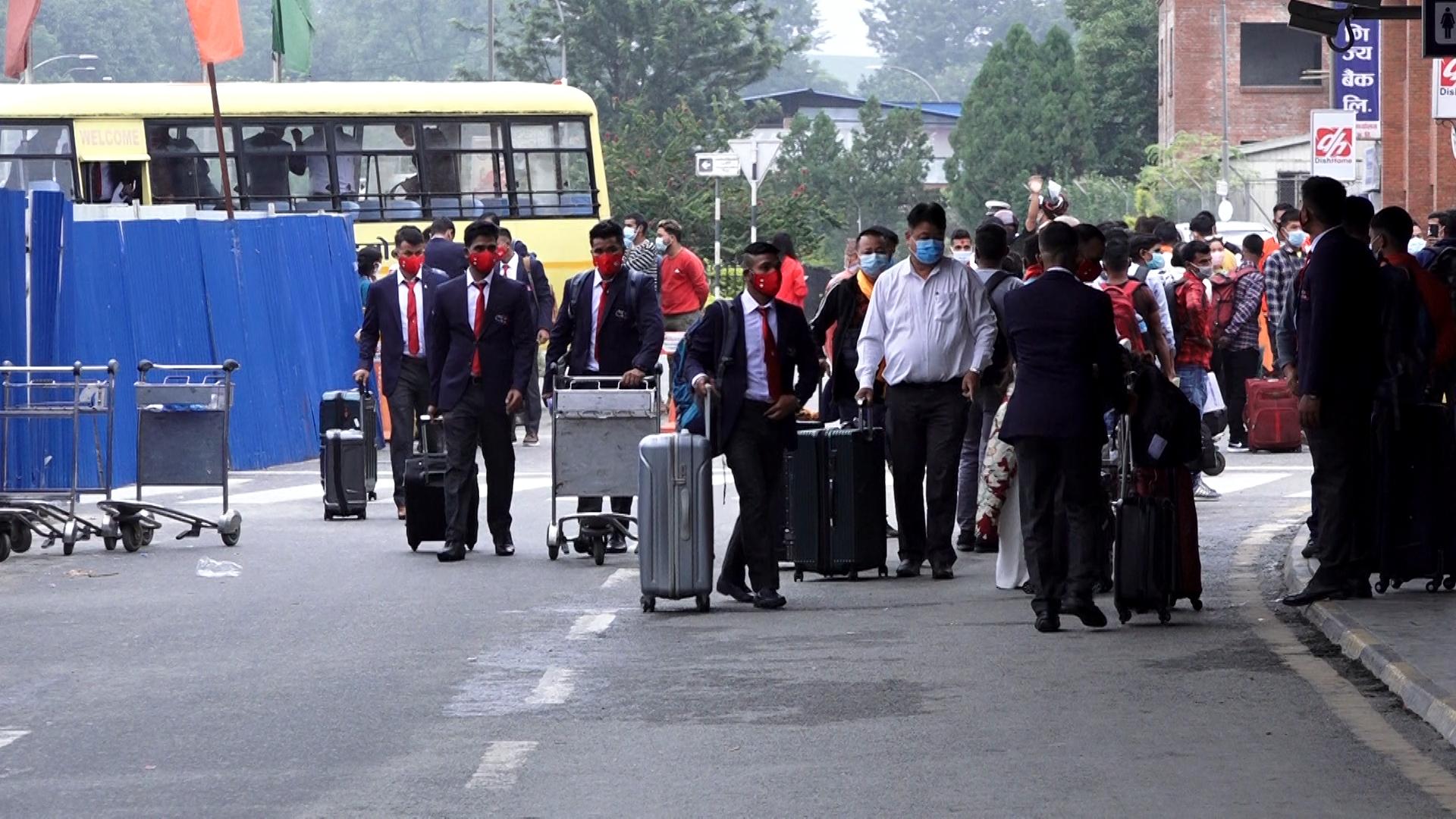 सिरिज खेल्न नेपाल ओमान प्रस्थान